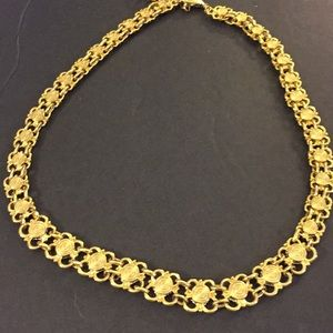 Avon reversible golden classic necklace